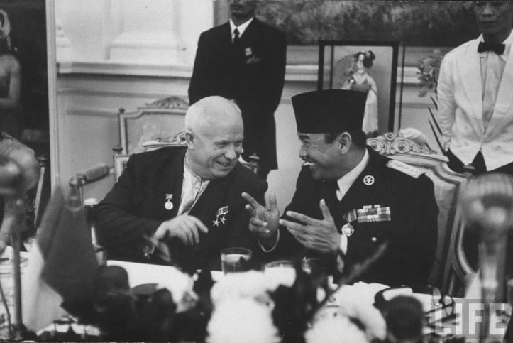 sukarno dan kruschev